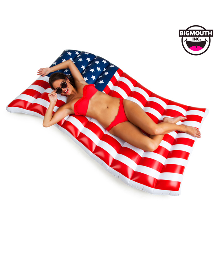 【BIG MOUTH】Waving American Flag Pool Float